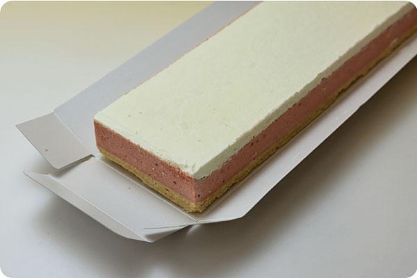 フリーカットケーキ 苺のチーズケーキ4